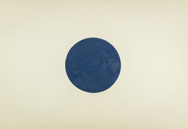 Turi Simeti - Un ovale in tondo blu